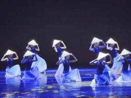 小白鸽舞蹈