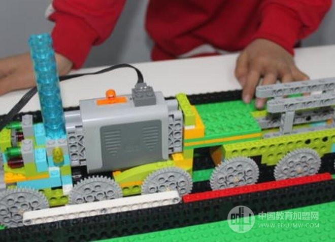 博派智能機器人教育加盟