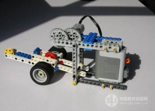 畫貝機器人教育加盟