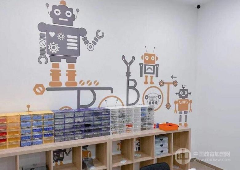 動力貓機器人編程教育加盟