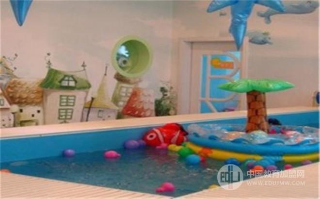 豌豆儿婴儿SPA游泳